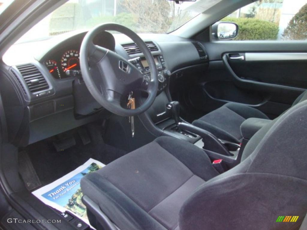 Black Interior 2004 Honda Accord LX Coupe Photo #46311086