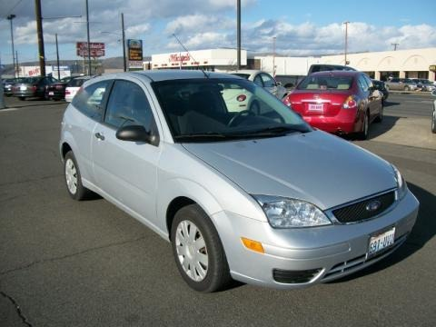 2006 ford focus zx3 s hatchback data info and specs. Black Bedroom Furniture Sets. Home Design Ideas