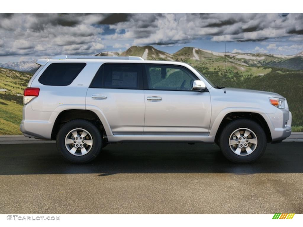 classic silver metallic 2011 toyota 4runner sr5 4x4. Black Bedroom Furniture Sets. Home Design Ideas