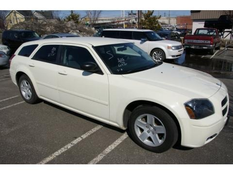 2005 dodge magnum sxt data info and specs. Black Bedroom Furniture Sets. Home Design Ideas