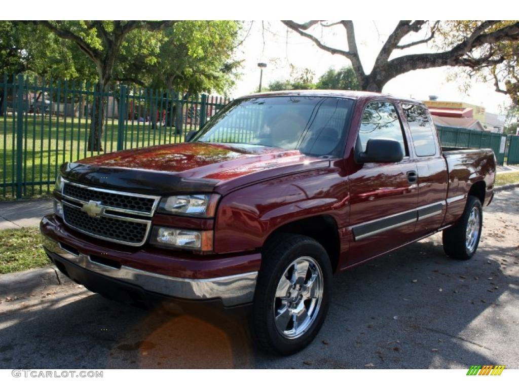 2007 sport red metallic chevrolet silverado 1500 classic z71 extended cab 4x4 46344801. Black Bedroom Furniture Sets. Home Design Ideas