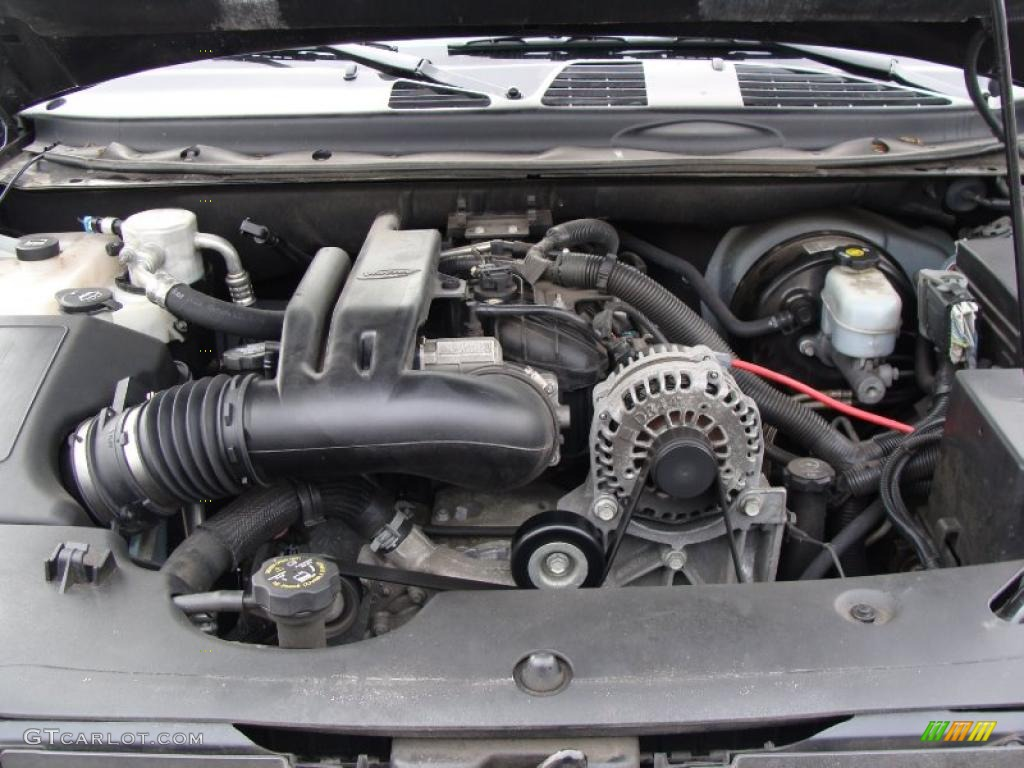 2007 chevrolet trailblazer ss 4x4 6 0 liter ohv 16 valve vortec v8 engine photo