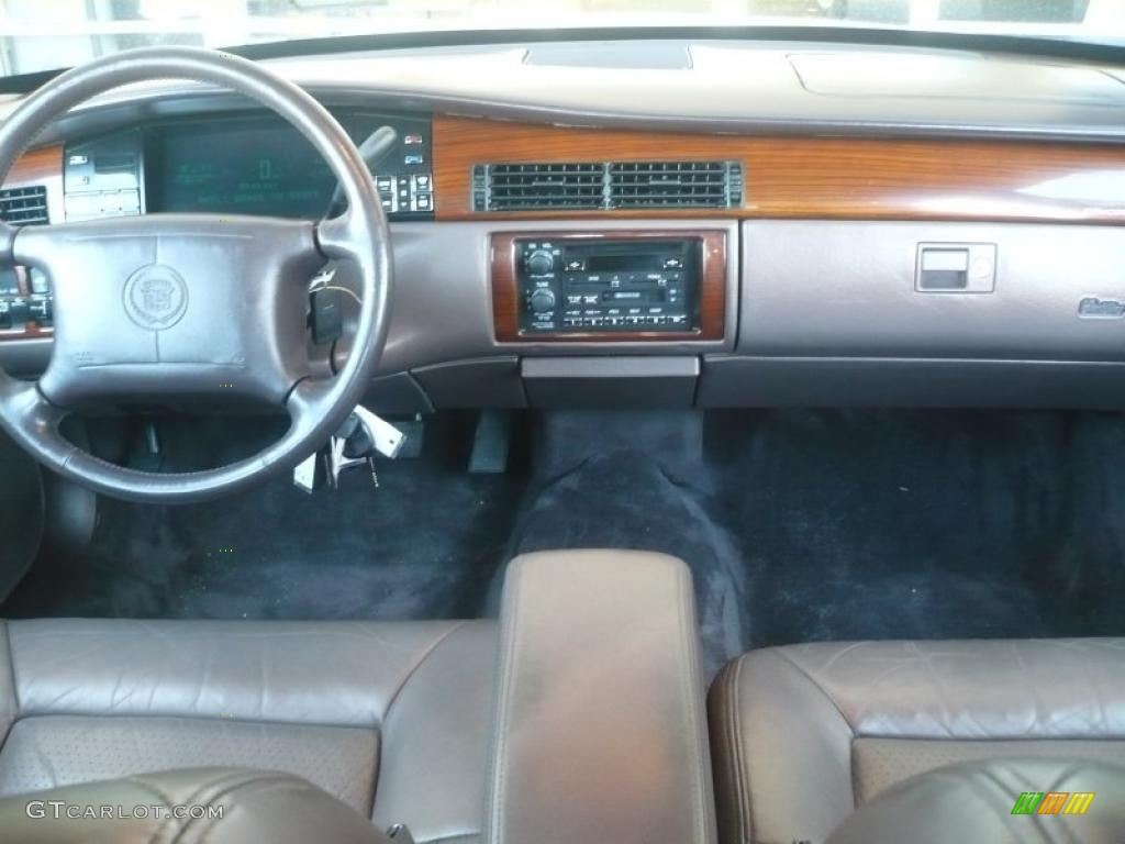 Cadillac Deville 05 furthermore Dashboard 46482120 likewise Travel Back Through Sedan History further Exterior 46975368 likewise 2005 Cadillac DeVille Pictures C1457 pi36530657. on 1993 cadillac sedan deville