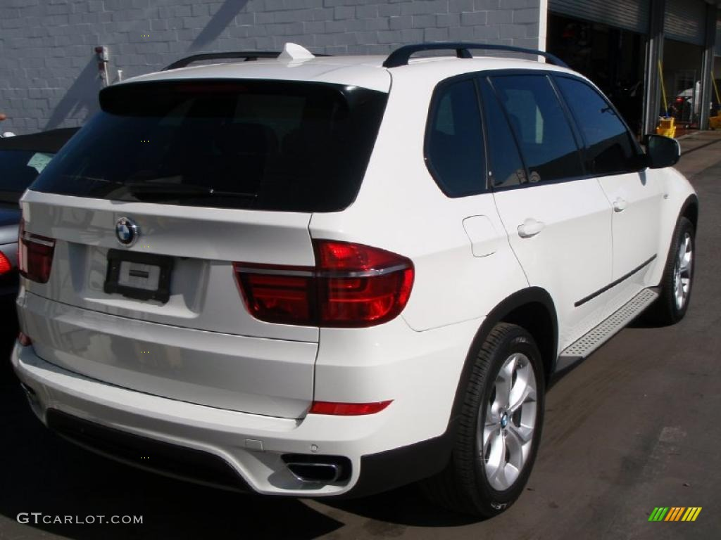 alpine white 2011 bmw x5 xdrive 50i exterior photo. Black Bedroom Furniture Sets. Home Design Ideas