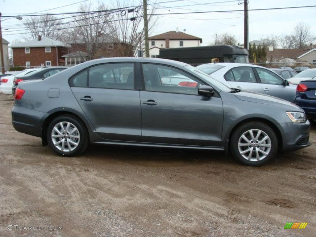 platinum gray metallic 2011 volkswagen jetta se sedan. Black Bedroom Furniture Sets. Home Design Ideas