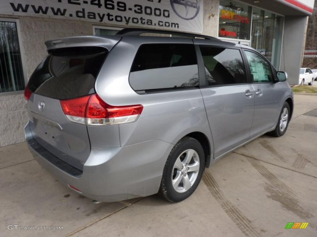 2011 Sienna LE - Silver Sky Metallic / Light Gray photo #2