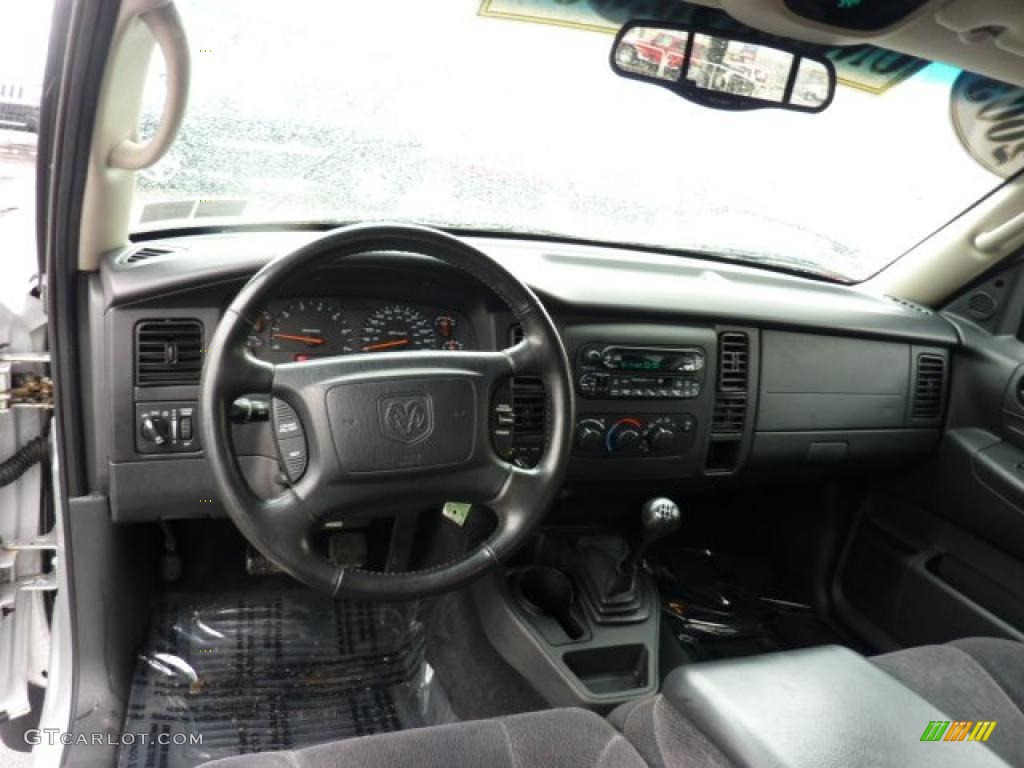 on 2001 Dodge Dakota Club Cab Sport 4x4