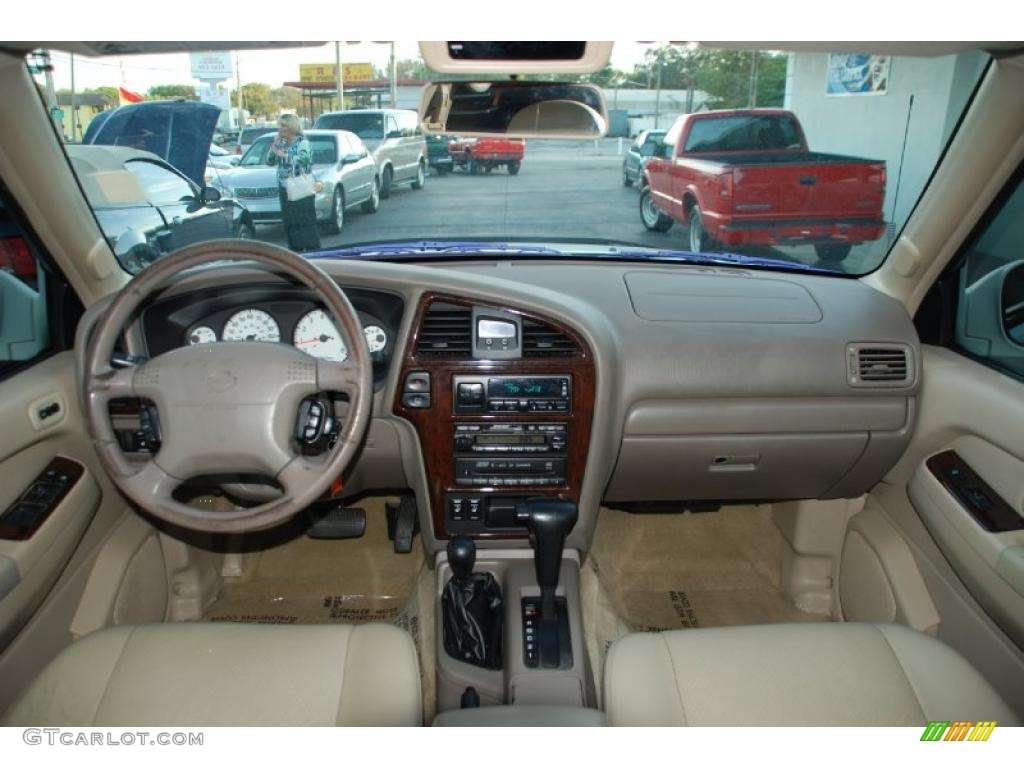 2001 Nissan Pathfinder LE 4x4 Beige Dashboard Photo #46557206