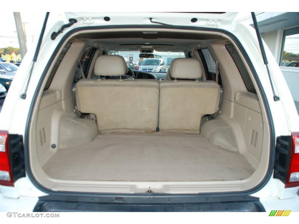 2001 Nissan Pathfinder Le 4x4 Trunk Photo 46557348