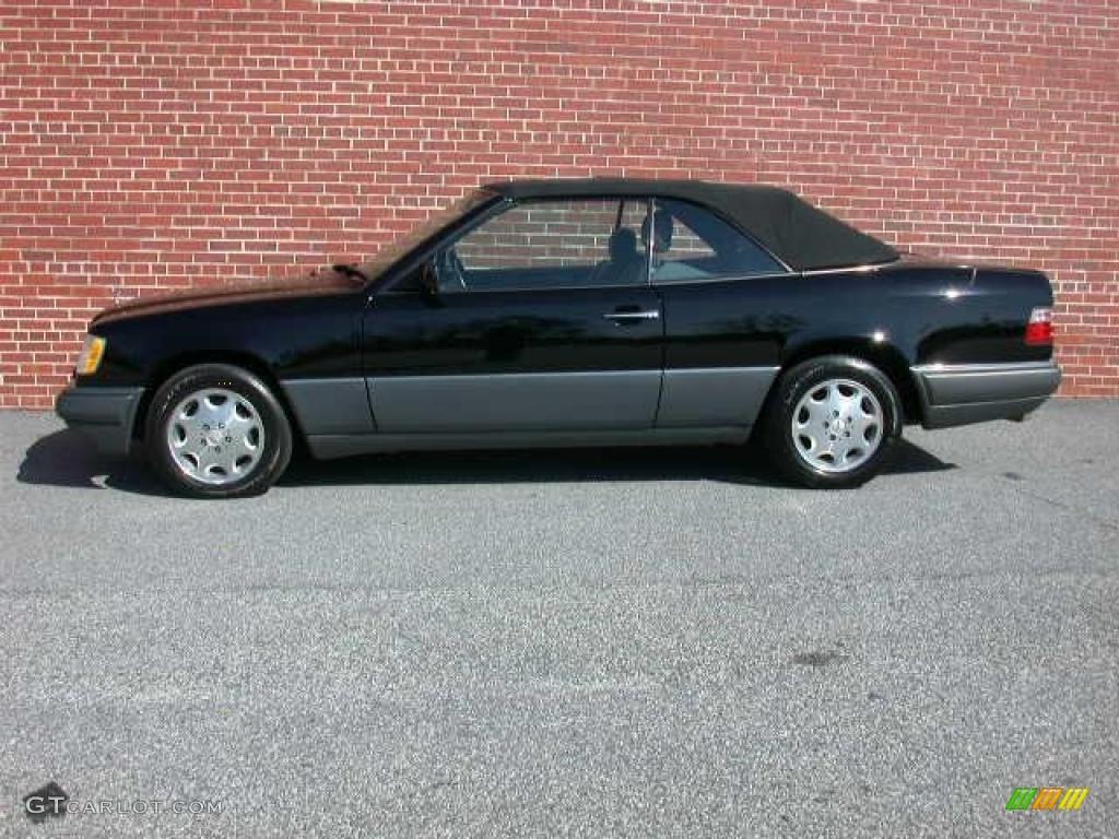 Black 1994 mercedes benz e 320 convertible exterior photo for Black convertible mercedes benz