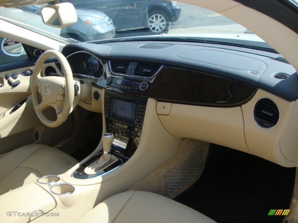 2008 Mercedes-Benz CLS 550 Diamond White Edition Cashmere Beige Dashboard Photo #46564750