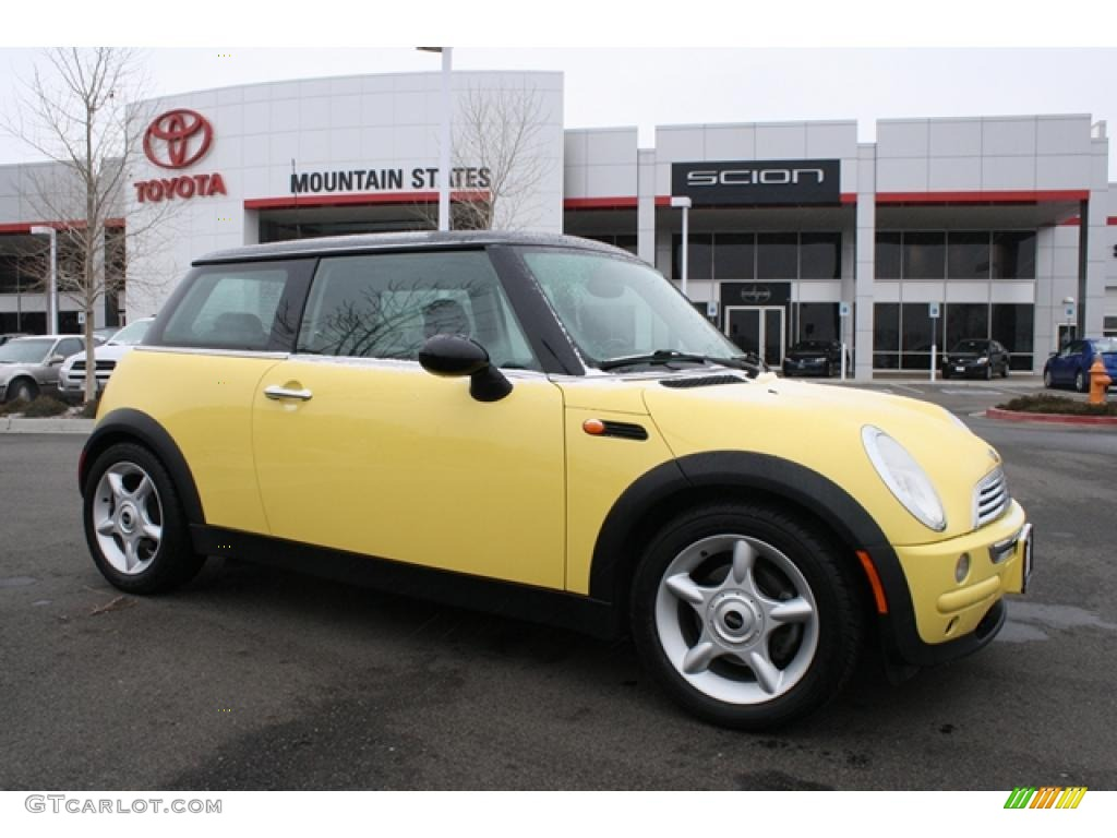 2002 liquid yellow mini cooper hardtop 46545389 car color galleries. Black Bedroom Furniture Sets. Home Design Ideas