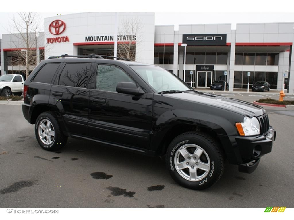 2005 black jeep grand cherokee laredo 4x4 46545393 car color galleries. Black Bedroom Furniture Sets. Home Design Ideas