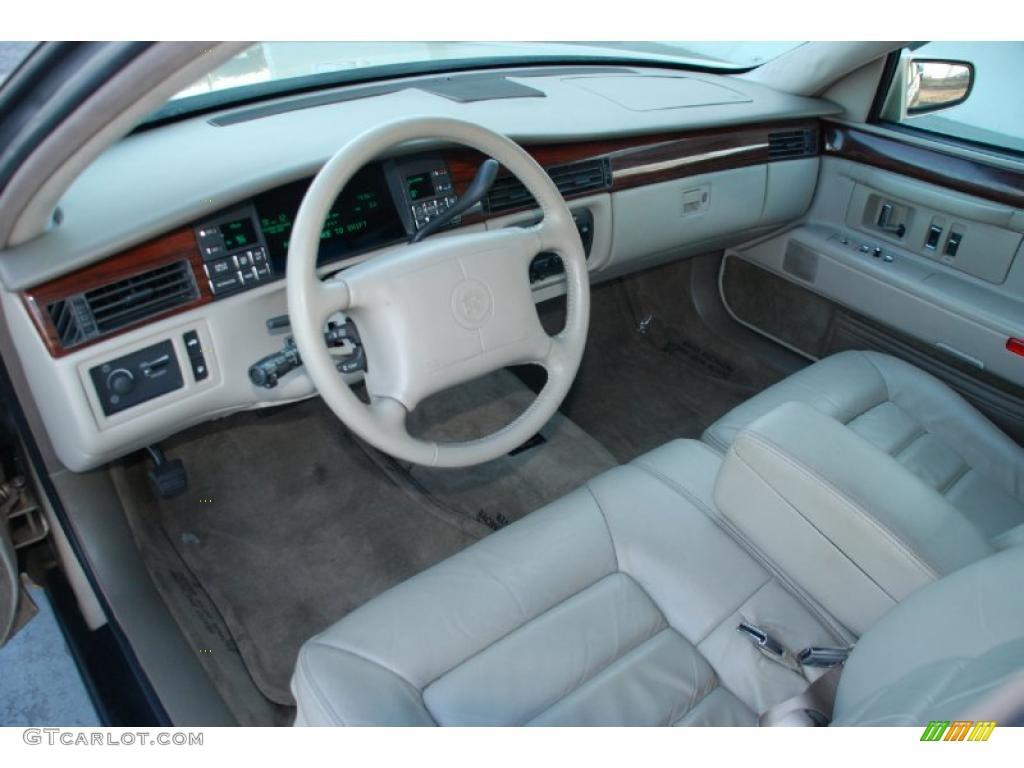 1996 Cadillac Deville Sedan Interior Photo 46645868