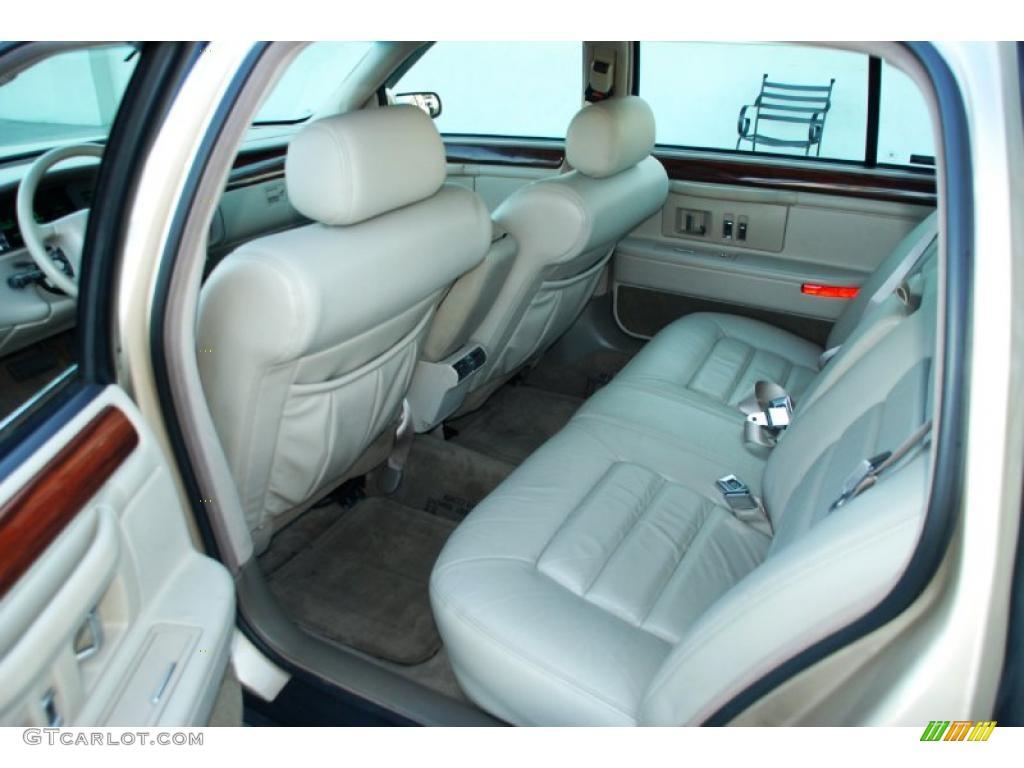 1996 Cadillac Deville Sedan Interior Photo 46645934