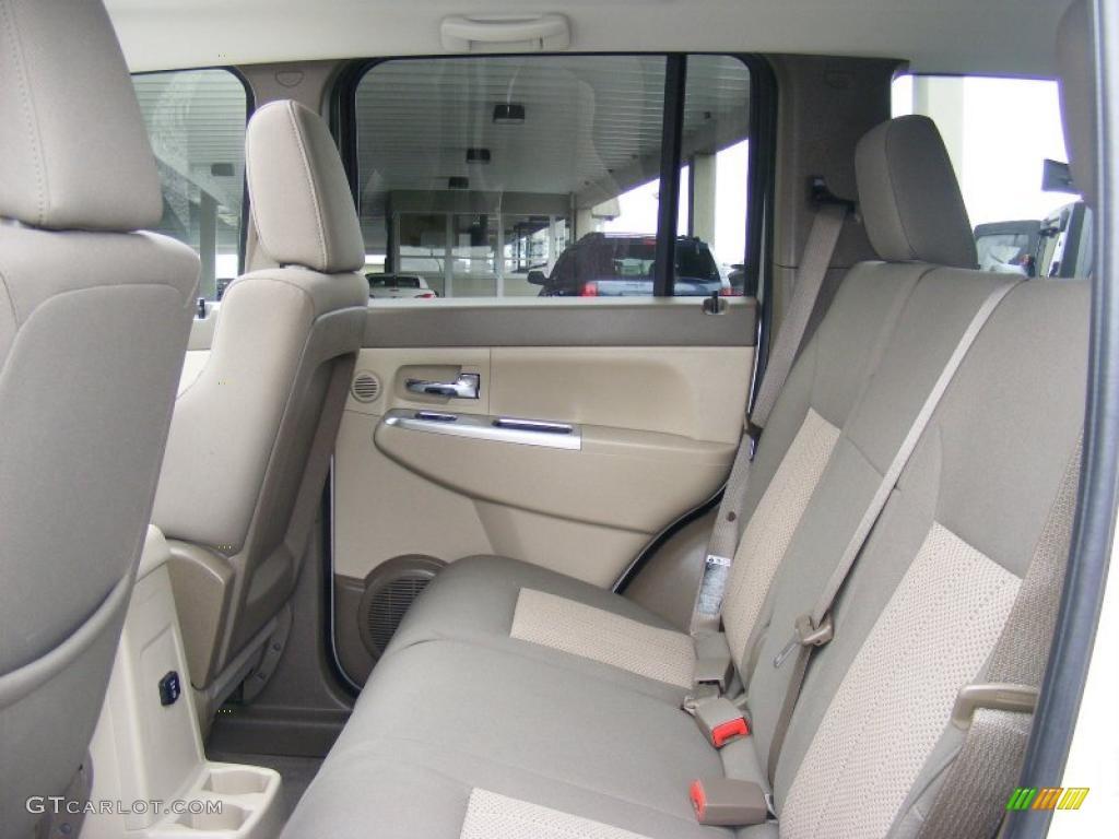 Light Pebble Beige Interior 2009 Jeep Liberty Limited 4x4 Photo 46651169