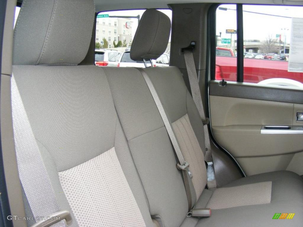 Light Pebble Beige Interior 2009 Jeep Liberty Limited 4x4 Photo 46651223
