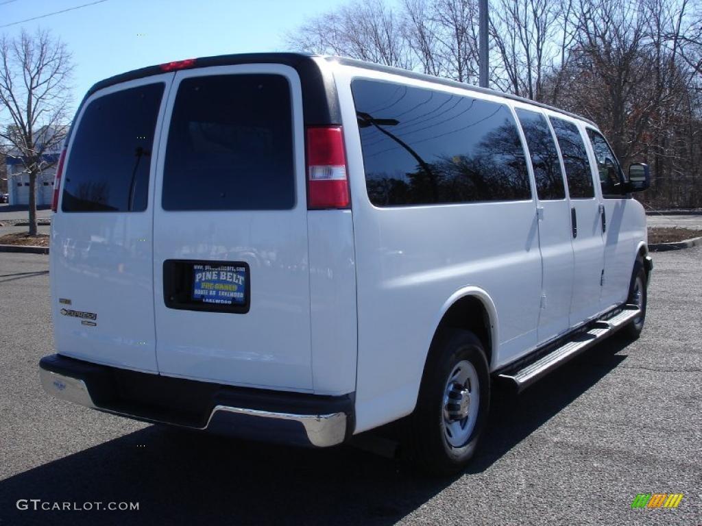 White Passenger Van 2010 Summit Whi...