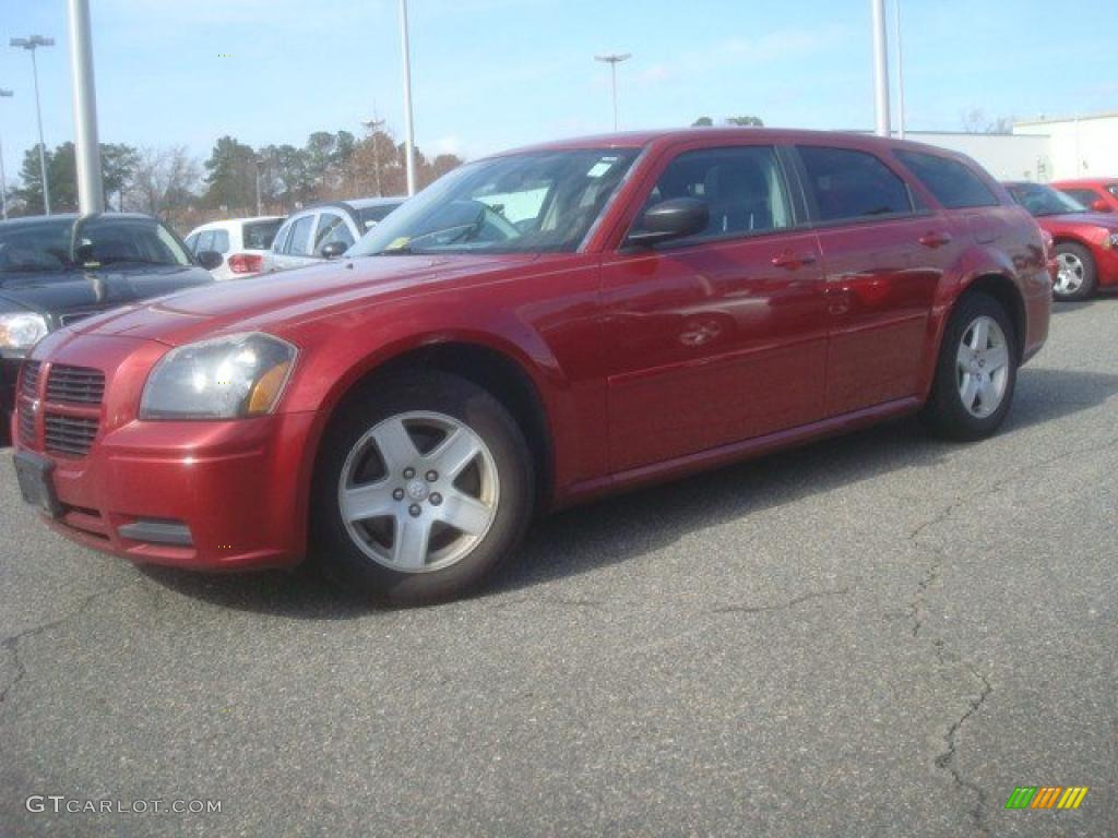 inferno red crystal pearl 2005 dodge magnum sxt exterior. Black Bedroom Furniture Sets. Home Design Ideas
