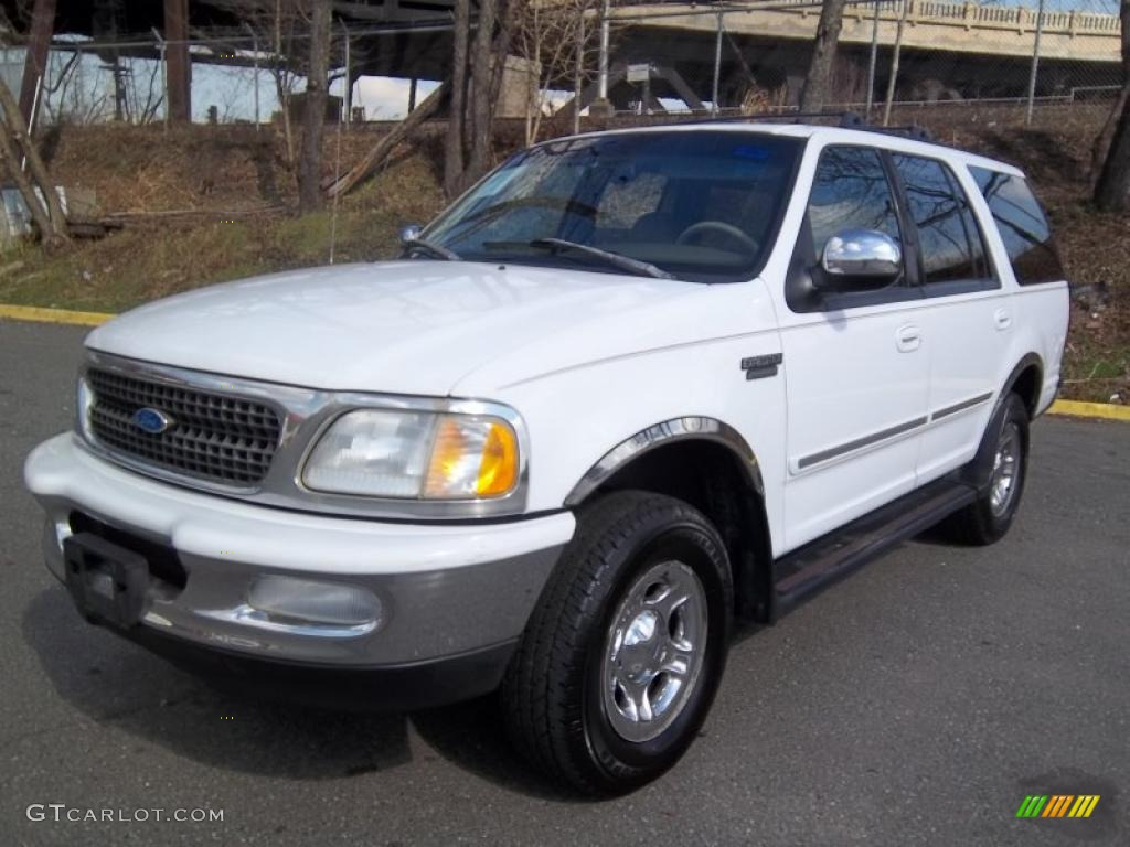 Oxford White 1997 Ford Expedition Xlt 4x4 Exterior Photo