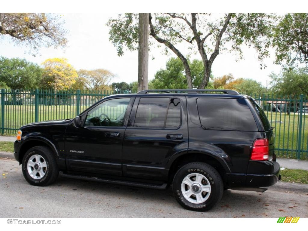 Black Clearcoat 2002 Ford Explorer Limited 4x4 Exterior