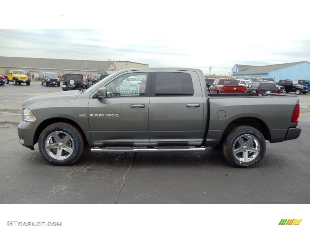 46735661 - 2011 Dodge Ram 1500 Laramie Quad Cab 4x4