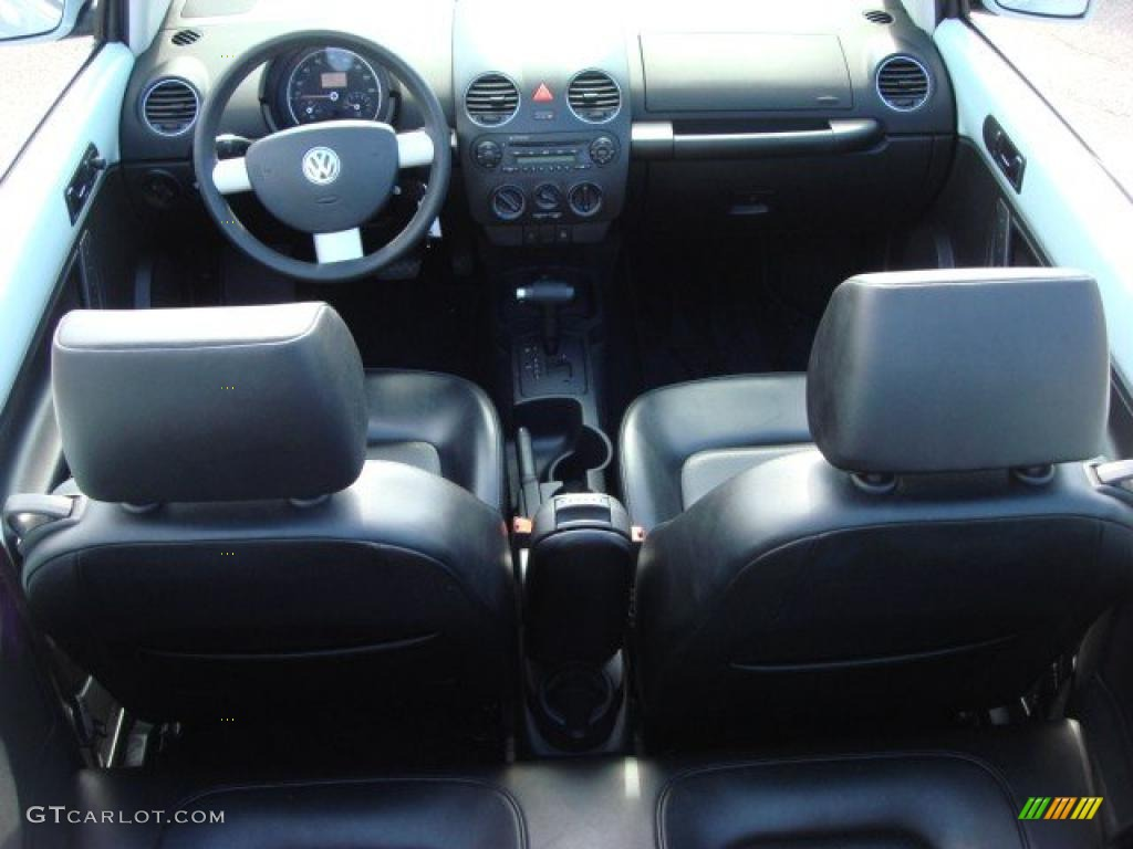 black interior 2006 volkswagen new beetle 2 5 convertible. Black Bedroom Furniture Sets. Home Design Ideas