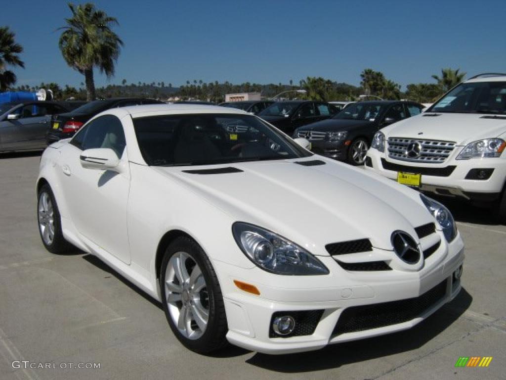 Arctic white 2011 mercedes benz slk 300 roadster exterior for Mercedes benz slk 300