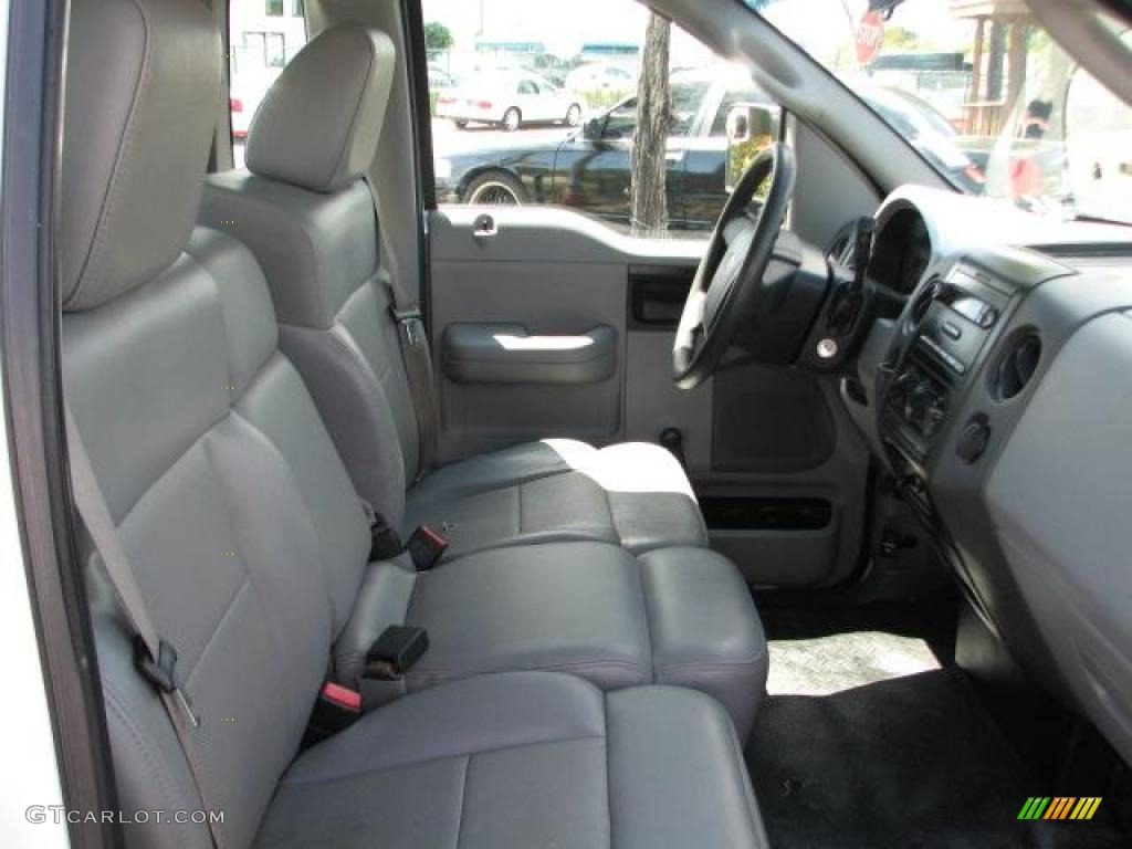 2006 Ford F150 XL Regular Cab Interior Photo #46771518
