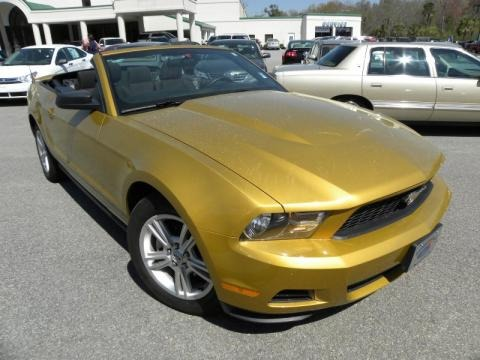 2010 ford mustang v6 convertible data info and specs. Black Bedroom Furniture Sets. Home Design Ideas