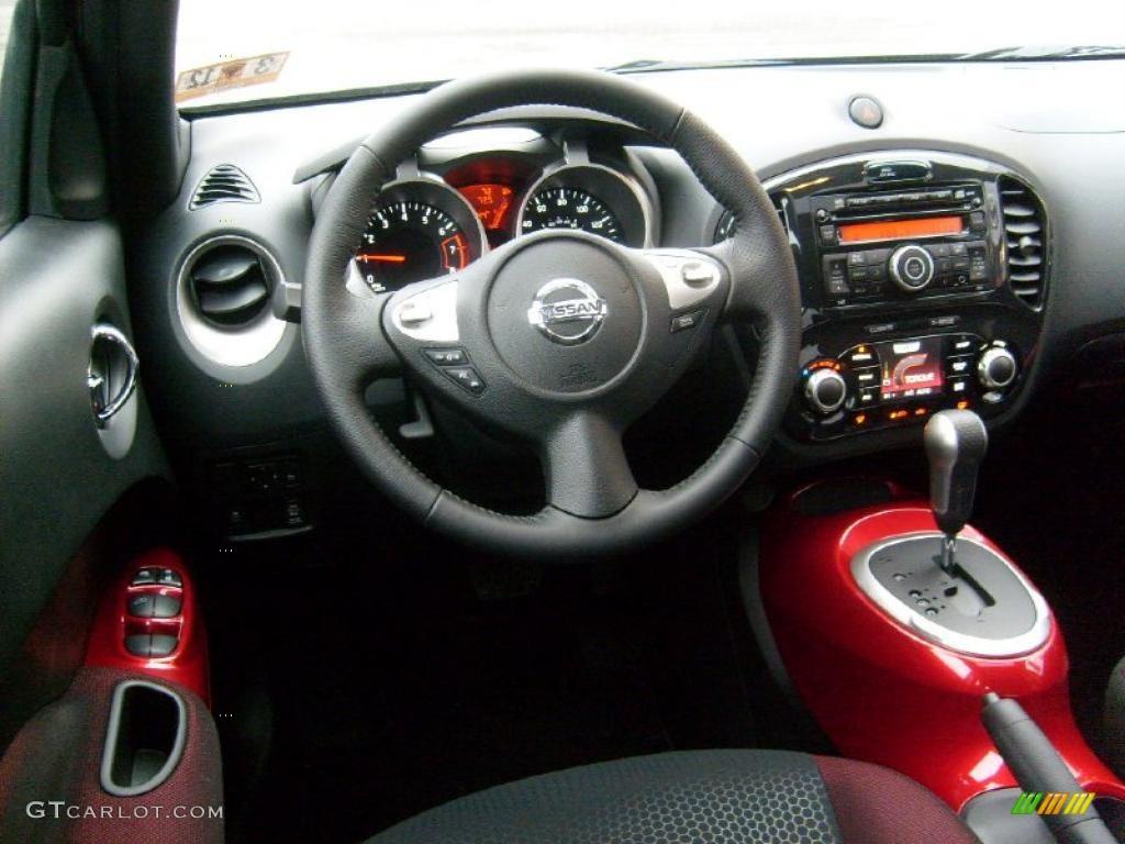 2011 Nissan Juke SV AWD Black/Red w/Red Trim Dashboard ...