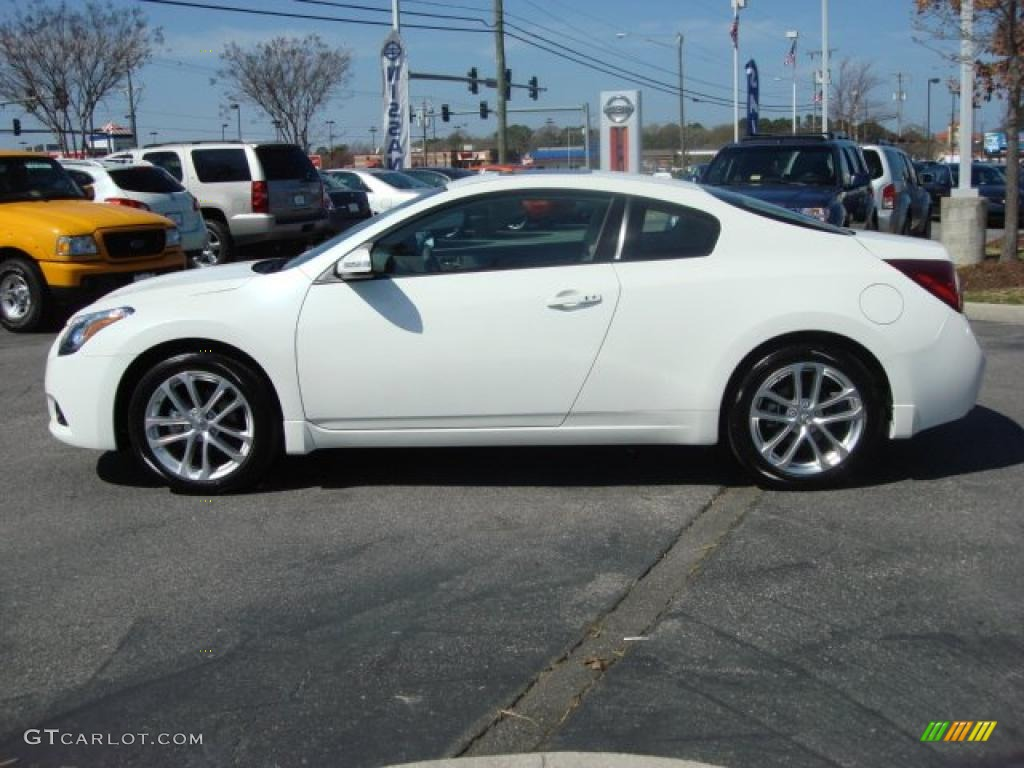 Superb Winter Frost White 2011 Nissan Altima 3.5 SR Coupe Exterior Photo #46875290