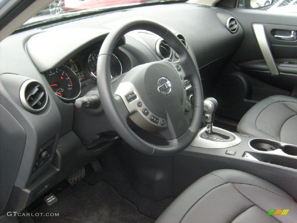 how to clean nissan rogue dashboard