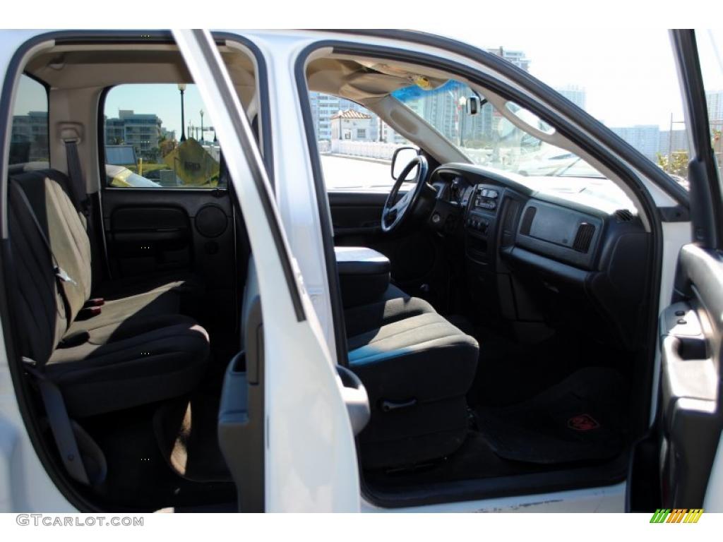 2002 Ram 1500 SLT Quad Cab 4x4 - Bright White / Dark Slate Gray photo #32