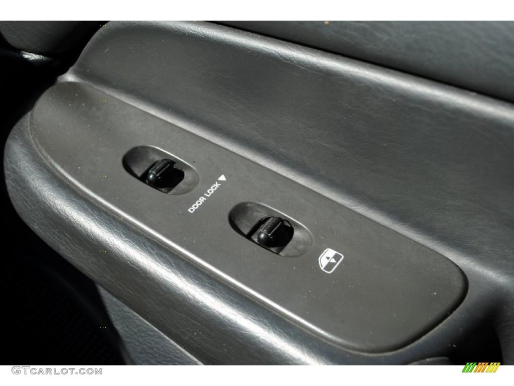 2002 Ram 1500 SLT Quad Cab 4x4 - Bright White / Dark Slate Gray photo #64