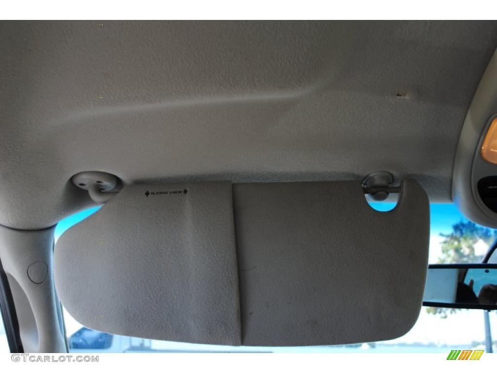 2002 Ram 1500 SLT Quad Cab 4x4 - Bright White / Dark Slate Gray photo #65