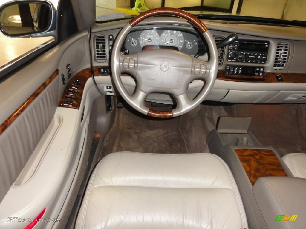 Dashboard 46953921on 2001 Buick Park Avenue