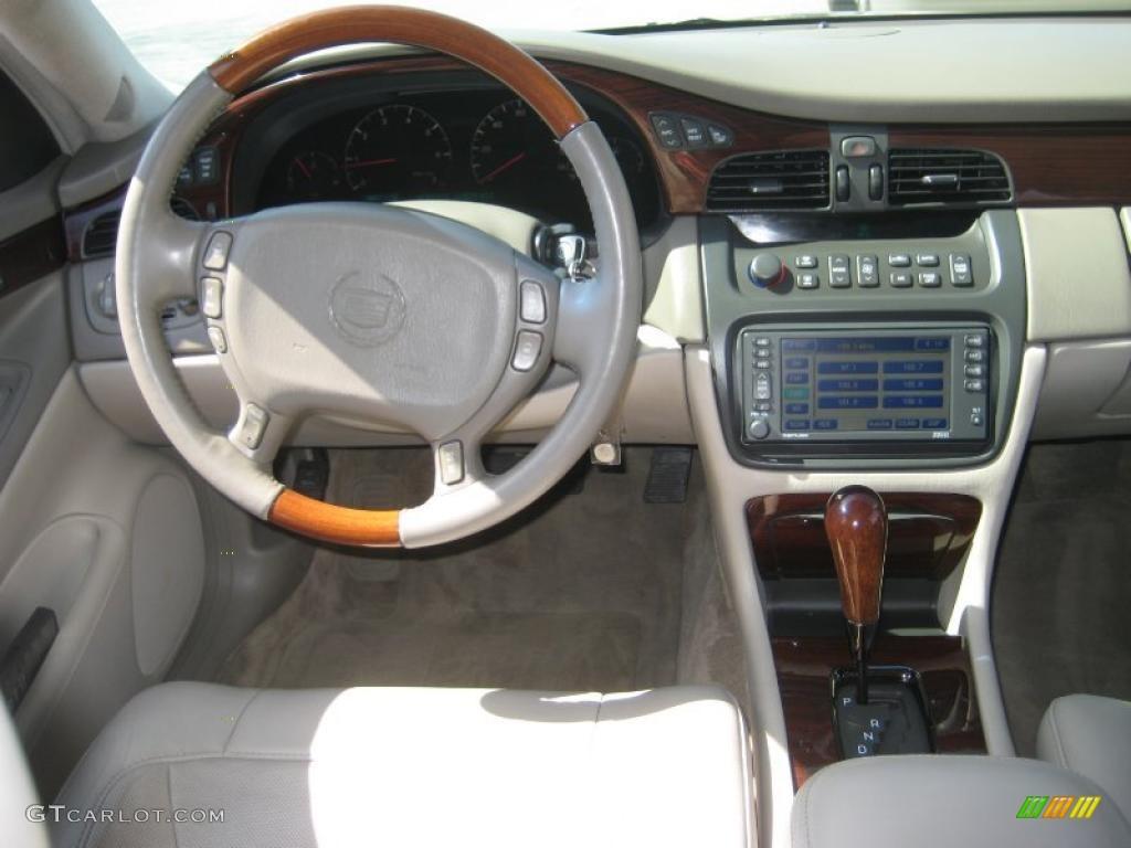2004 Cadillac Deville Dts Shale Dashboard Photo 46975476