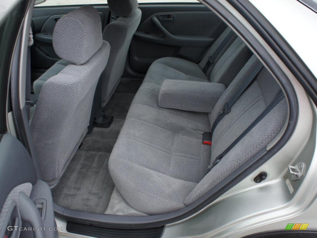 2001 Toyota Camry LE Interior Photo 47009136