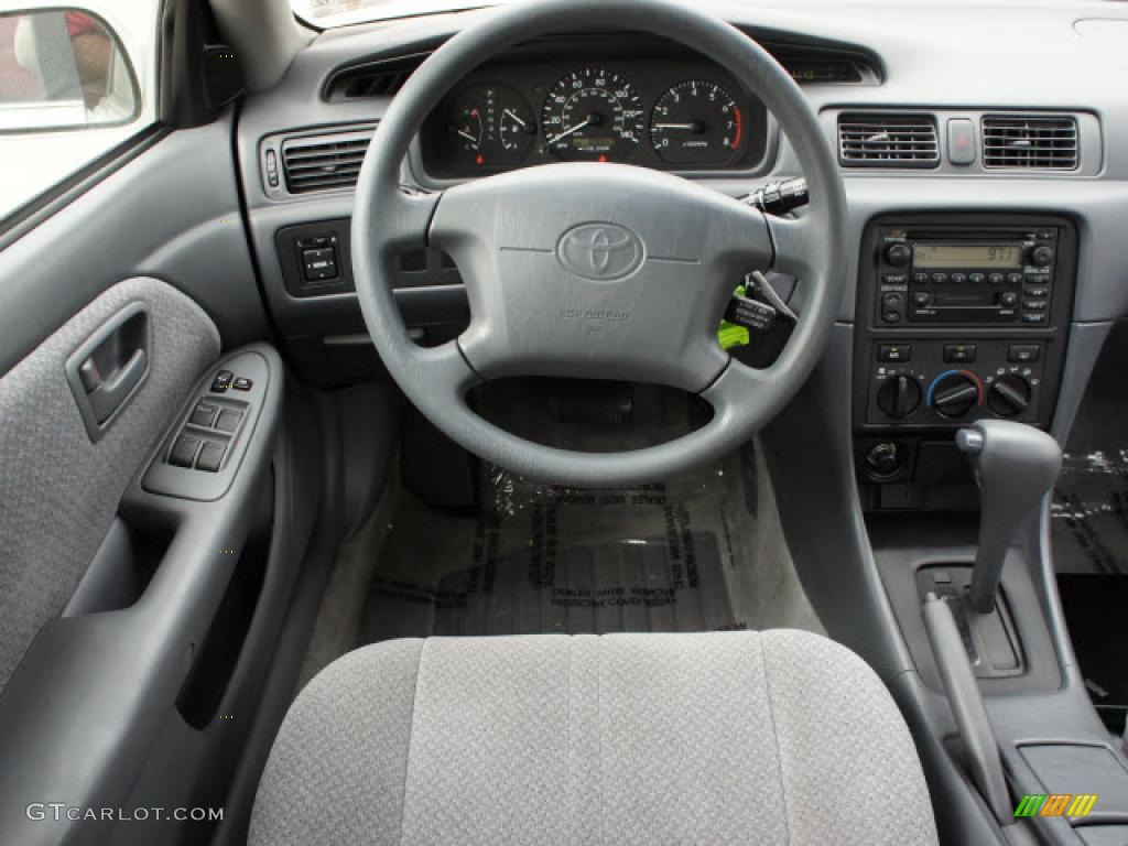 2001 toyota camry le interior photo  47009151