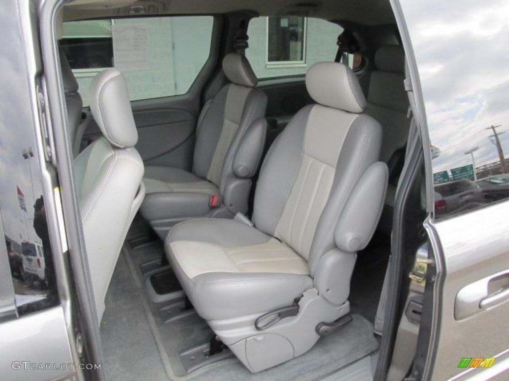 2004 Chrysler Town Country Touring Platinum Series Interior Photo 47084270