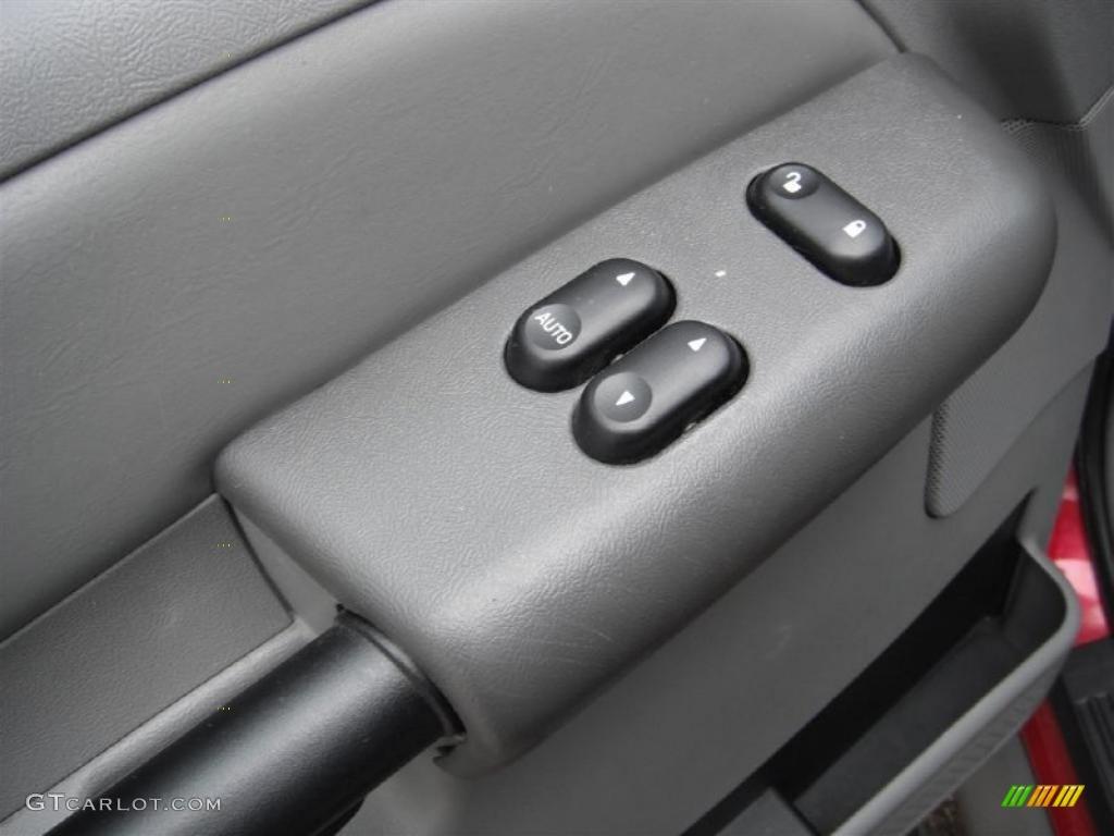 2003 Ford Explorer Sport XLT 4x4 Controls Photos