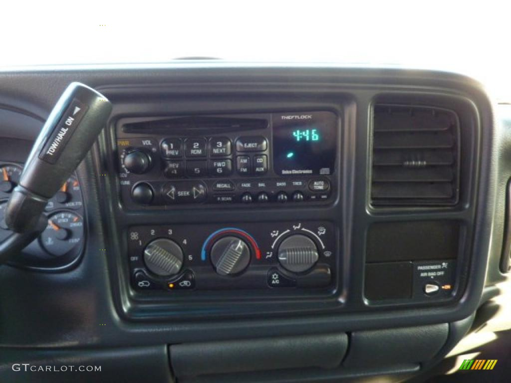 2002 Chevrolet Silverado 1500 Extended Cab 4x4 Controls Photos