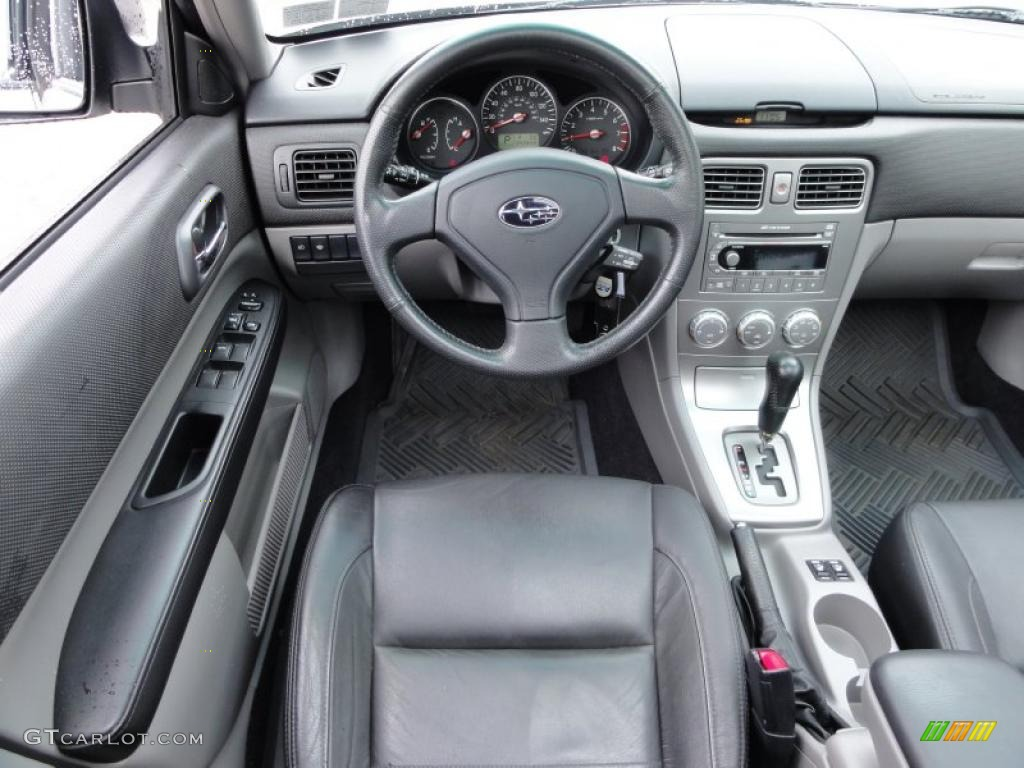 2006 subaru forester 25 xt limited interior photo
