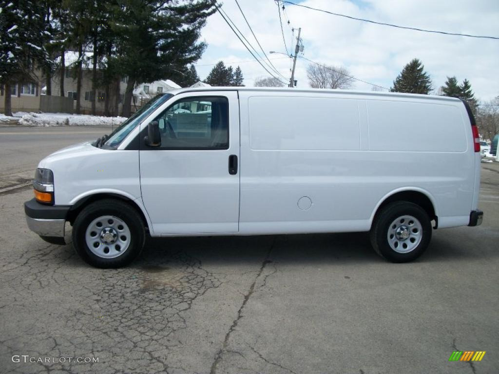 summit white 2011 chevrolet express 1500 awd cargo van exterior photo 47194112. Black Bedroom Furniture Sets. Home Design Ideas