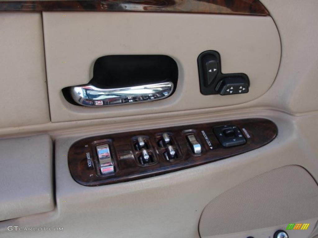 2001 lincoln town car executive controls photo 47213195. Black Bedroom Furniture Sets. Home Design Ideas