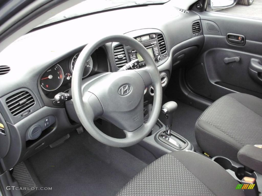Black Interior 2009 Hyundai Accent Gs 3 Door Photo
