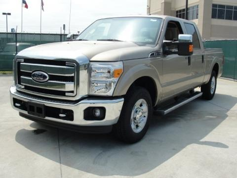 2011 ford f250 super duty xlt crew cab data info and specs. Black Bedroom Furniture Sets. Home Design Ideas