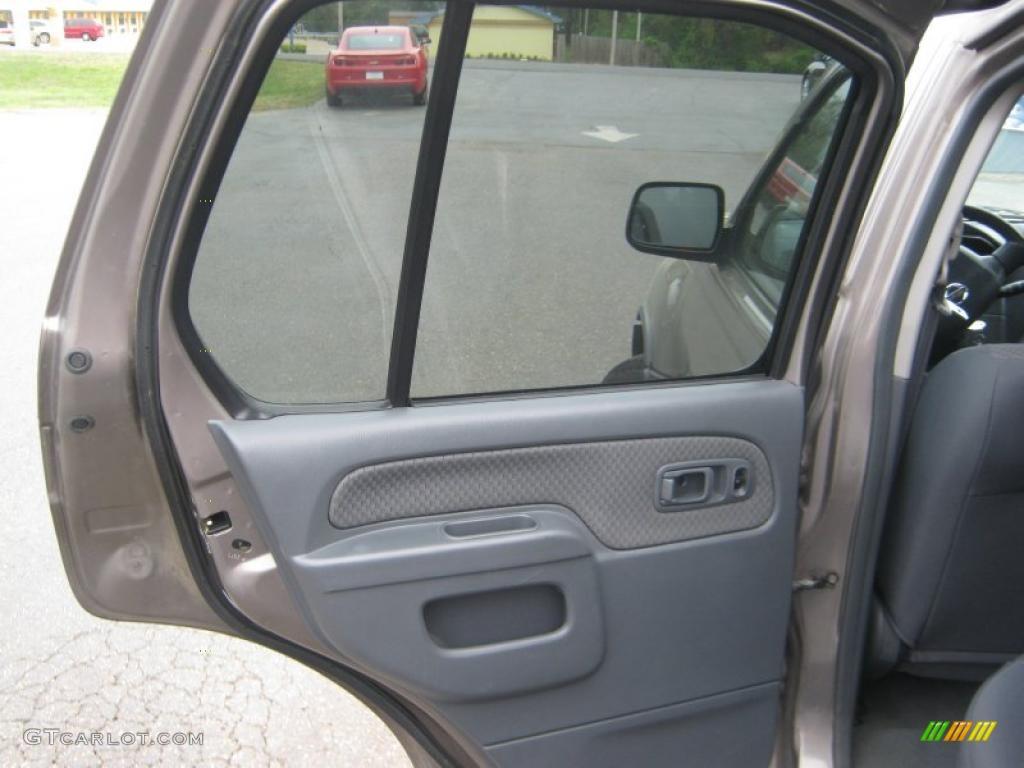 Service manual 2003 nissan xterra remove door panel for 2001 nissan altima window regulator