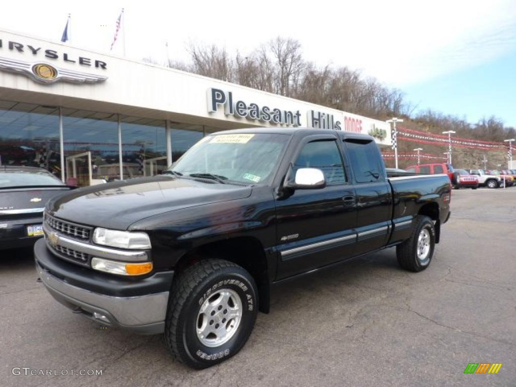 2002 Silverado 1500 LS Extended Cab 4x4 - Onyx Black / Graphite Gray photo #1